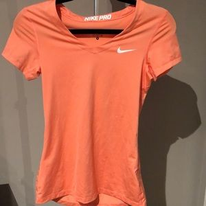 Nike pro coral workout top